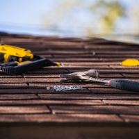 Find a great local roofing contractor and avoid scammers