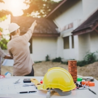 8 Things to Watch Out for When Hiring an Exterior Contractor